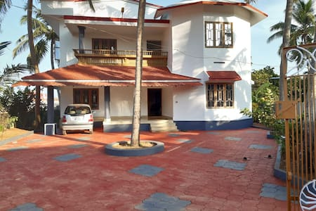 SALSABEEL  BUNGALOWS ( HOME STAY WITH KINGS SUITE)