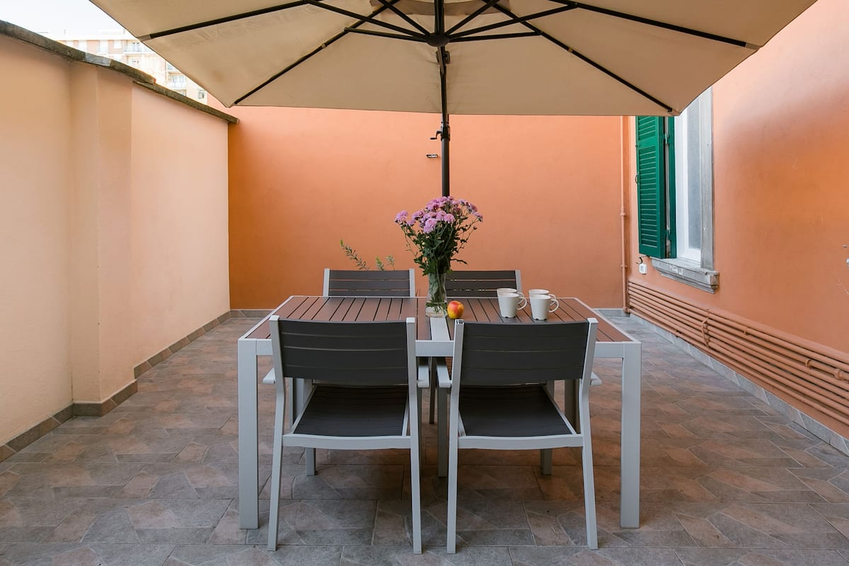 Explore Ostiense from a Hip Apartment with a Terrace