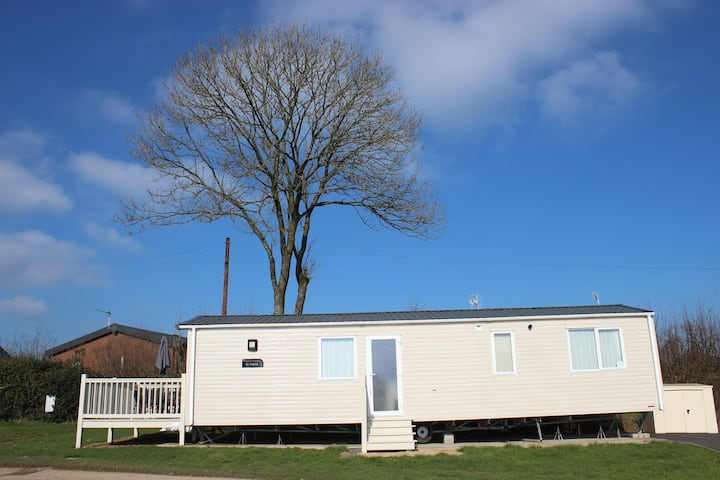 Six berth luxury caravan In Peak District
