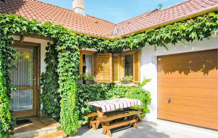 Holiday cottage with 2 bedrooms on 70m² in Keszthely