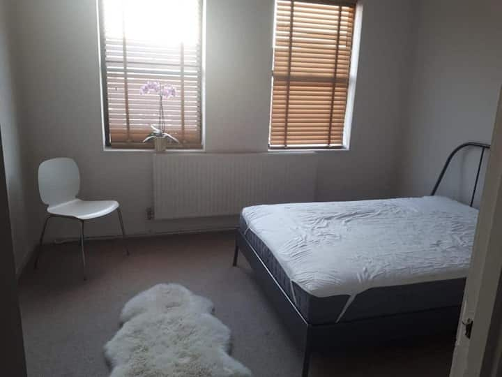 Lovely room & house in London's trendy N16