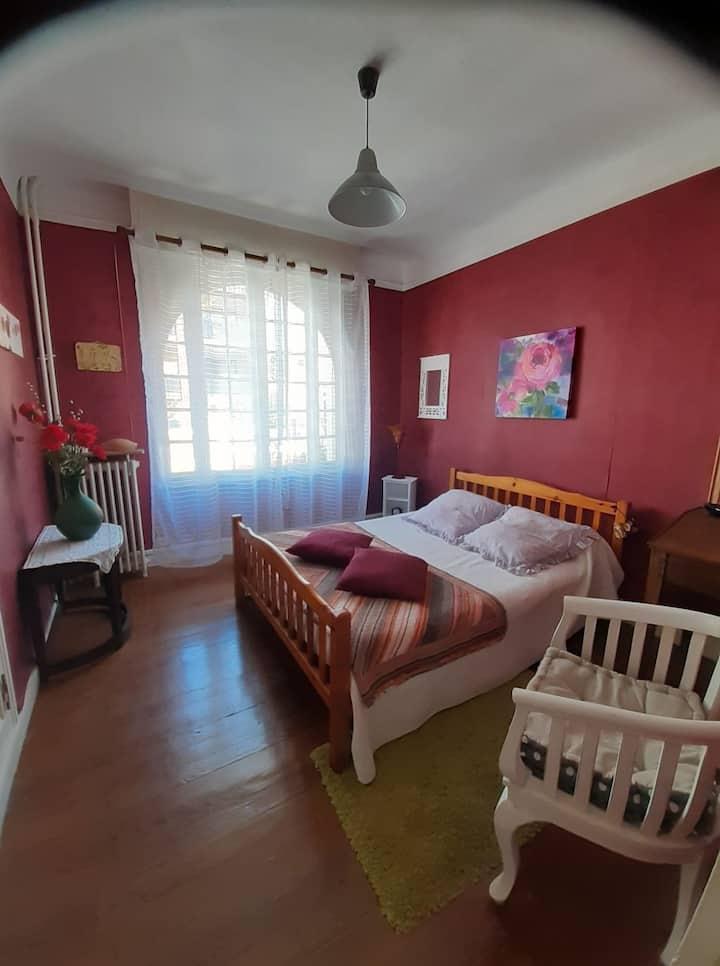 Bayonne : chambre dans maison avec jardin