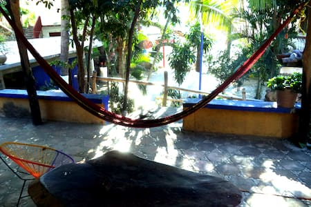 traveler guesthouse almendro - Puerto Ángel - Guesthouse