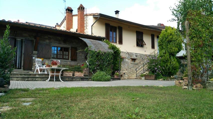 Casa Padronale nel verde Toscano - Pratovecchio - Apartamento