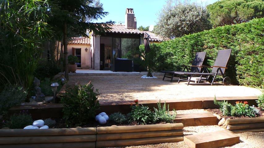 Mazet golfe de Saint Tropez - Domaine Font Mourier - Gassin - Huis