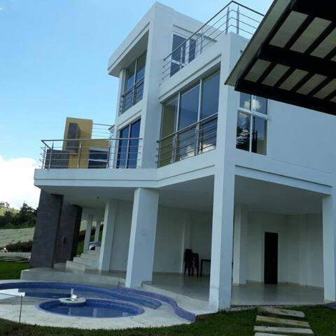 Amazing view and beautiful new house VILLA POTOSÍ