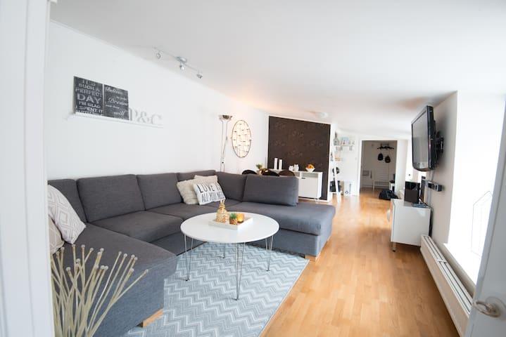 Mysig lägenhet innanför muren