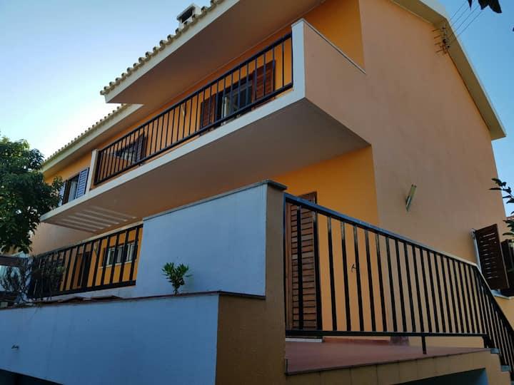 5 bedrooms villa at azarujinha