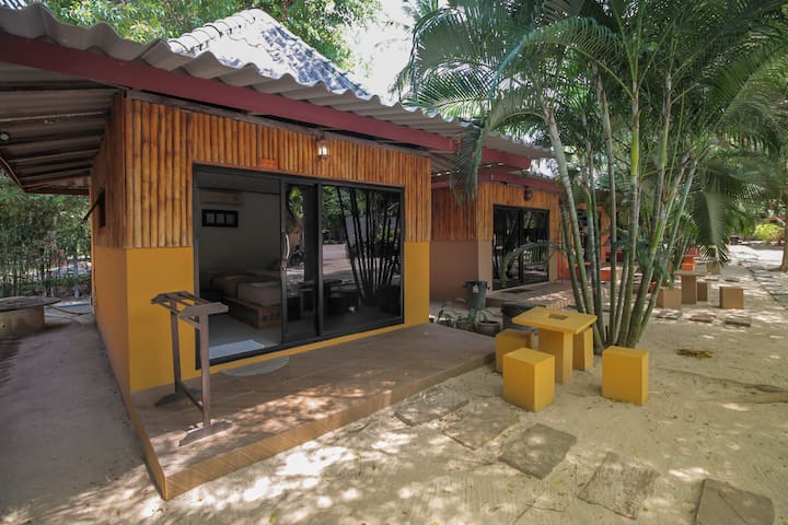 Three Person AC Bungalow, Sabaii Bay, Koh Phangan