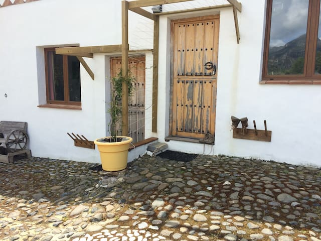 Andalucia Rural Cottage Retreat - Manilva