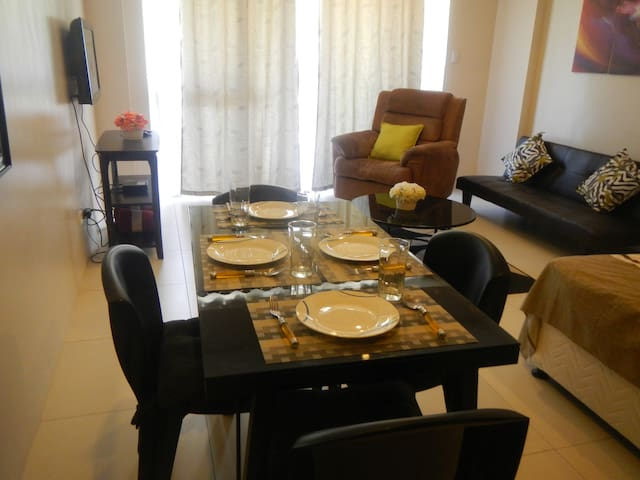 Great location! Pico de loro 1 BR Carola B