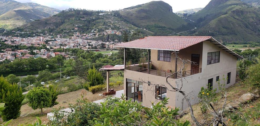 Villa Anita, casa con piscina