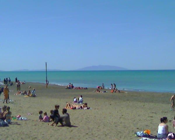 appartamento vicinissimo al mare - Marina di Castagneto Carducci - Huoneisto