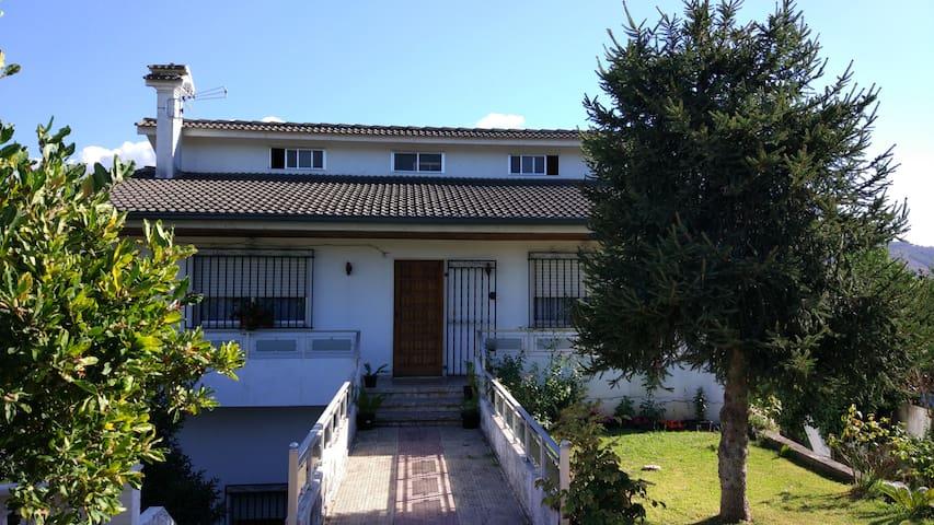 Casa grande familiar cerca de Tui, Vigo, Portugal