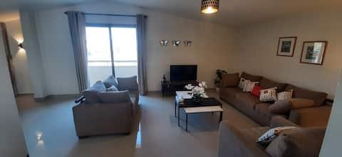 ★ Joe's 3-BR Apartment in Bhamdoun + Terrace