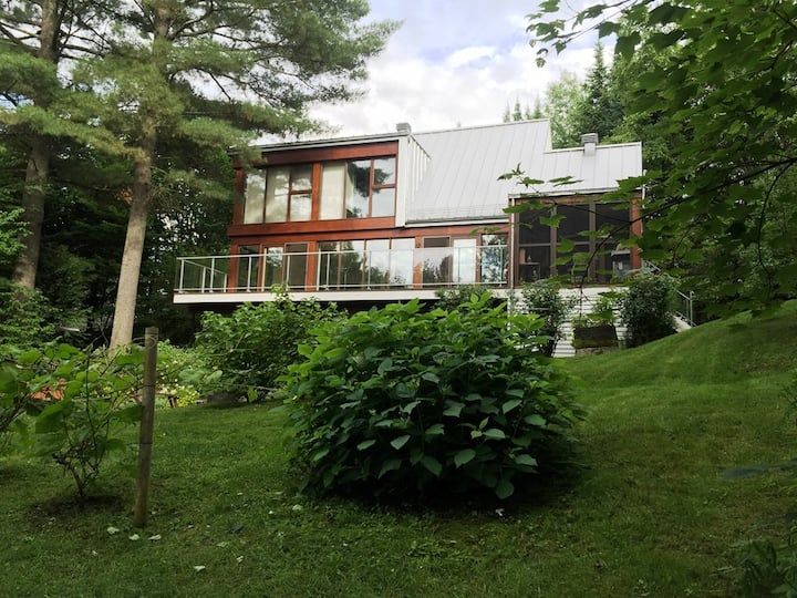#622 Must See! Gorgeous  House in Wooded Area