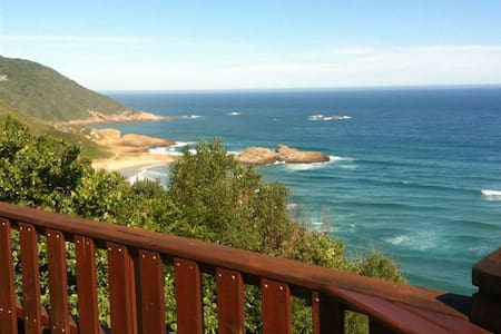 Ocean's Edge Cottage - Brenton-on-Sea