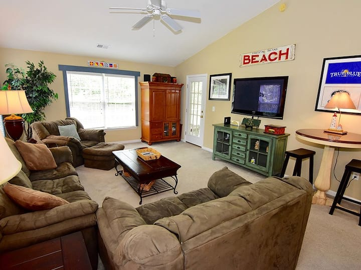 Relax in this beautiful Condo on the True Blue Golf Course