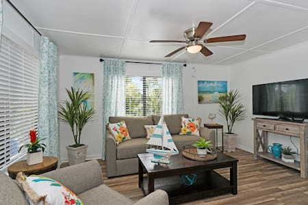 Tropical Bliss - Close to Beach & Nightlife!