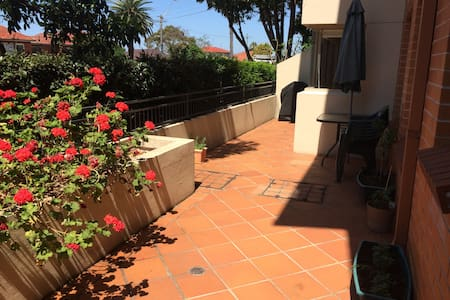 Villa Style Apartment  w Terrace - Kogarah