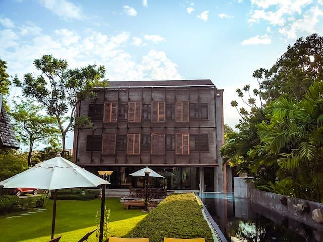 摩登别墅, 平静豪华 私人泳池花园 | 豪华面包车免费接机/管家/派对服务