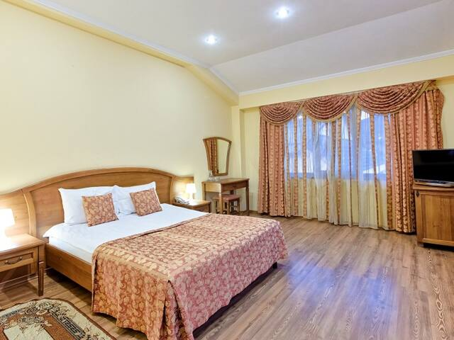 """Room with double bed. Hotel """"Troyka"""""""
