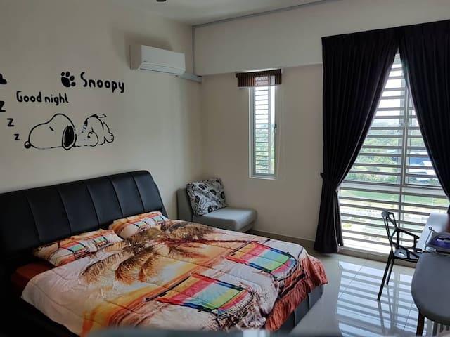 King Size Bed in Master bedroom, 特大双人床