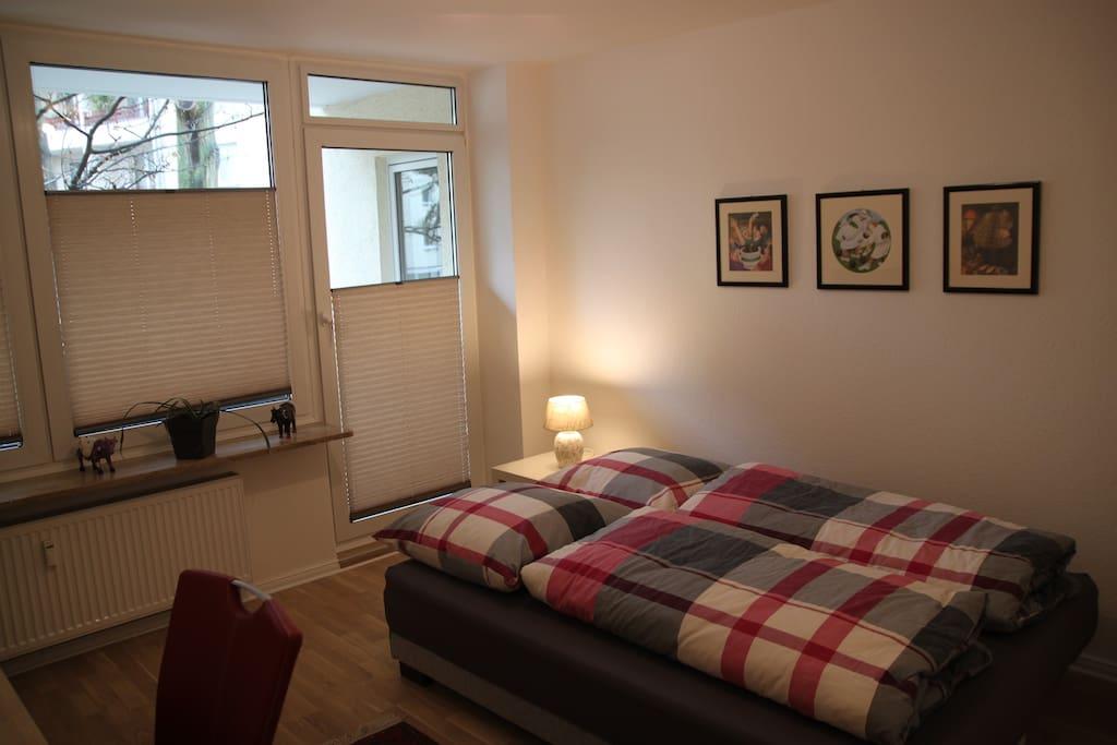 Schlafzimmer 2, Dauerschlafsofa für 2 Personen
