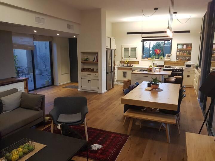 200 sqmr modern villa in a spactacullar area!