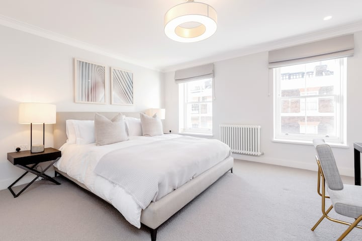 Stunning Mayfair 2 Bed 2 Bath next to Hyde Park