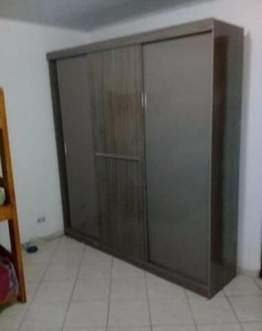Hostel com quartos compartilhados