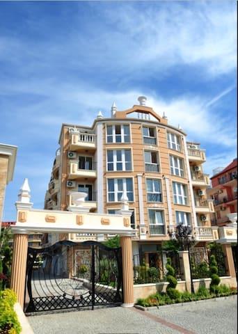 Апартаменты Boutique Melia - Burgas - Suite