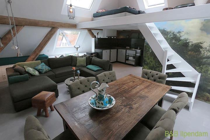 Uniek appartement oude stolpboerderij incl bootje!