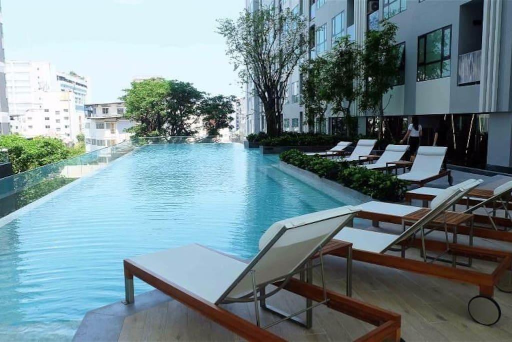 无敌海景,无边泳池!The top of swimming pool,nice sea view!