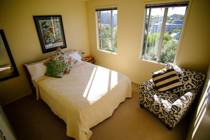 Deluxe modern inner city space with own bathroom! - Auckland - Rivitalo
