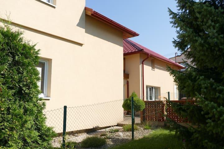 Apartmán v rodinném domě - Brušperk - Hus