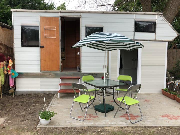 Eden Caravan - jól felszerelt lakókocsi