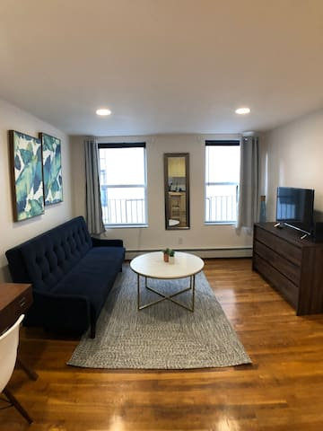 Welcome / Brand new Beautiful 1BR / best location