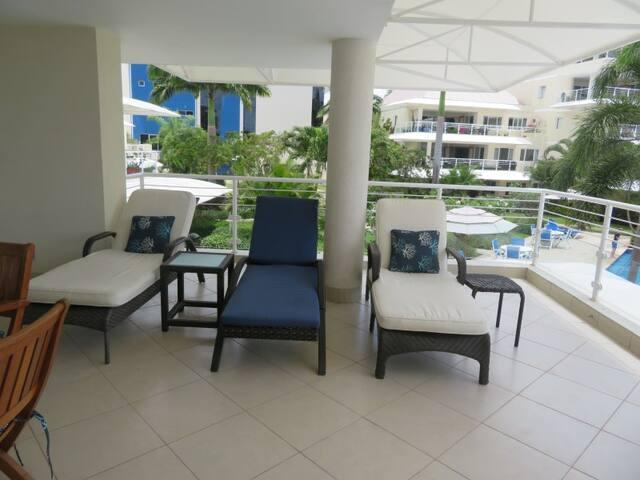 210 Palm Beach