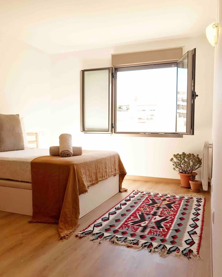 Room in high standing apartment in the best area