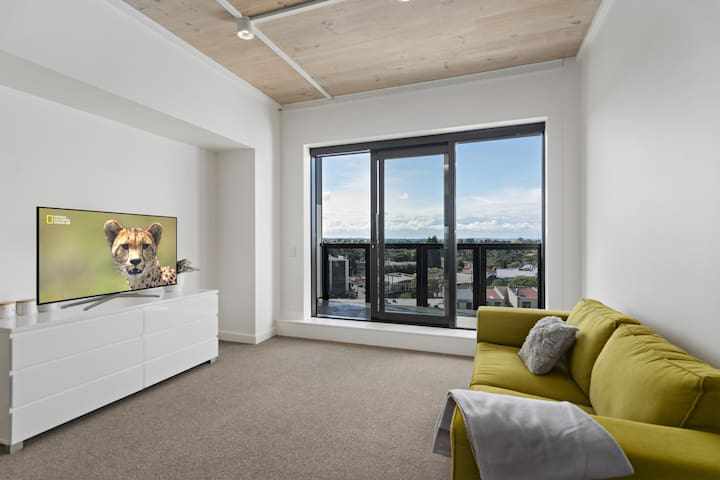 New spacious two bedrooms apartment in New Lynn