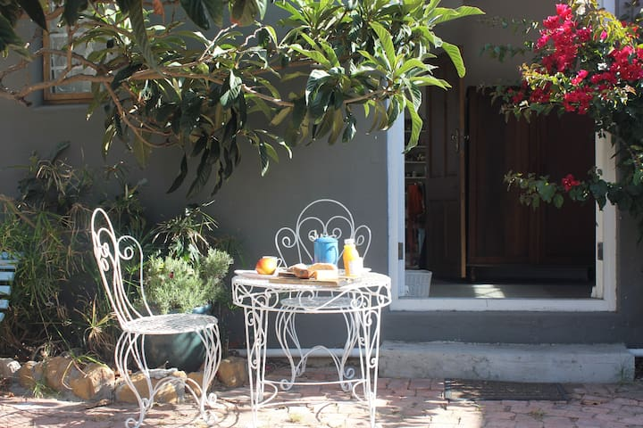 Garden cottage close to the beach - Kaapstad - Appartement