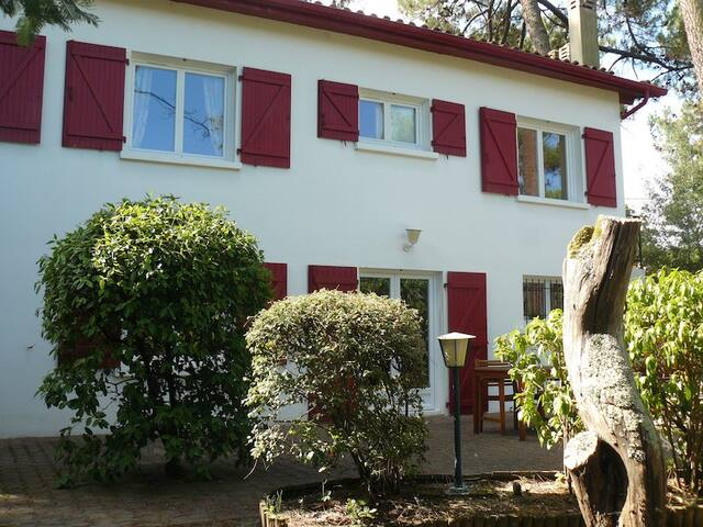 Family house 5/10 mn away from Arcachon center - Arcachon - Huis