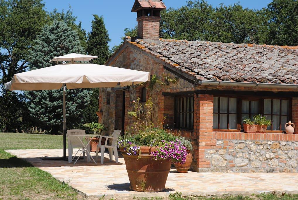 Cottage casa vacanza b b in terre di siena cottage in for Planimetrie di cottage di vacanza