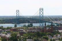 Ambassador Bridge to Canada
