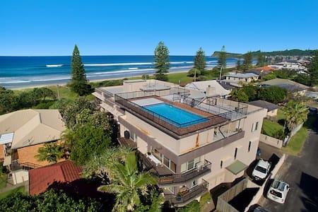 Lennox Head Beach Apartment - Lennox Head