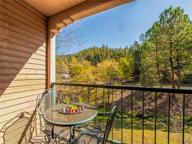 Canyon Creek Lodge 218, 1 Bedroom, Sleeps 4