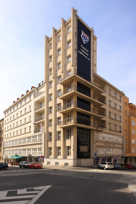 Building with Apartment (Residence Abacta)