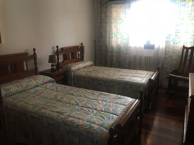 Habitación en casa proxima al centro de Santiago