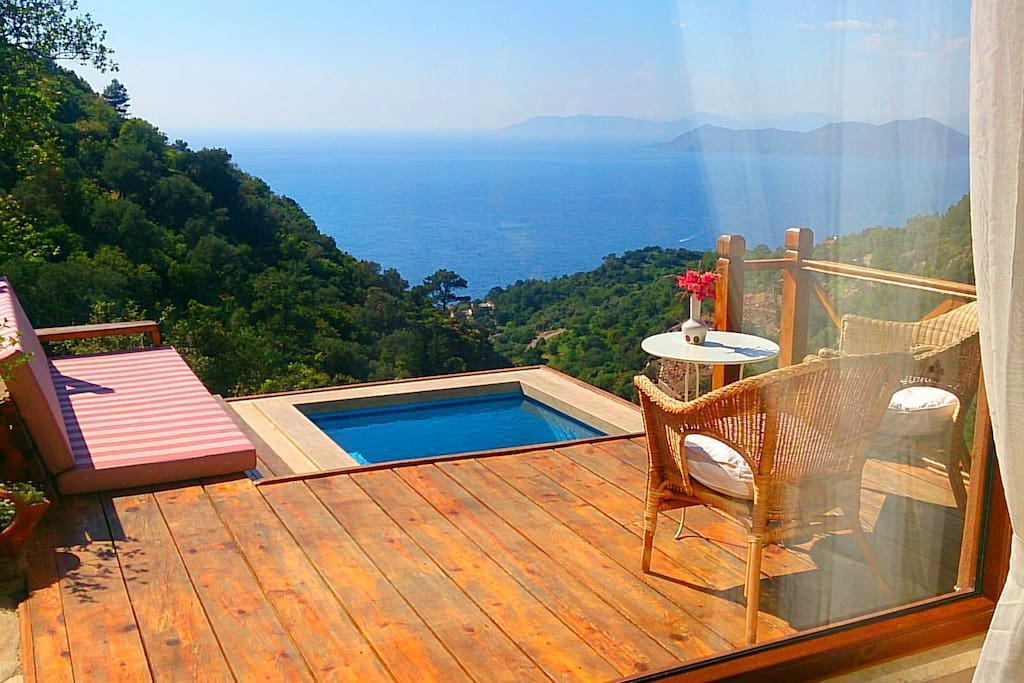 Spectacular sea and nature views. Wood veranda. Comfortable sofa.